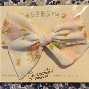 Other - Wunderkin Pinwheel Clip Bow of the Month